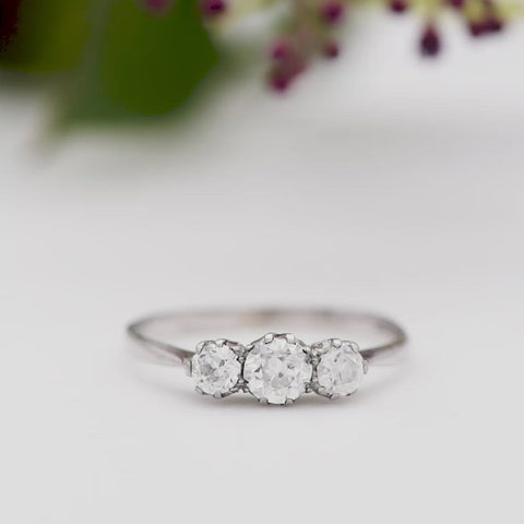 The Vintage Tres Crystallini Diamond Engagement Ring
