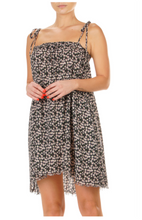 Load image into Gallery viewer, Black Daisy Spring Dress