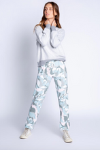 Load image into Gallery viewer, Camo Bloom Pant