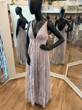 Load image into Gallery viewer, Dusty Lilac Velvet Maxi