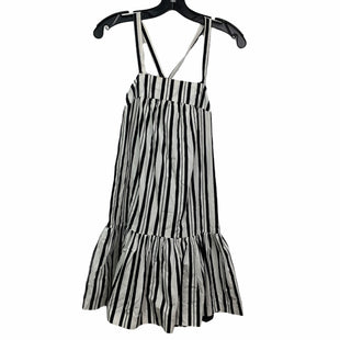 Primary Photo - BRAND:    ALICE & UOSTYLE: DRESS SHORT SHORT SLEEVE COLOR: BLACK SILVER SIZE: M OTHER INFO: ALICE & UO - SKU: 207-207278-6759