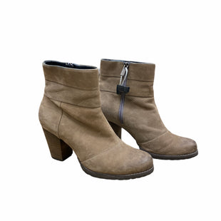Primary Photo - BRAND: CLARKS STYLE: BOOTS ANKLE COLOR: TAN SIZE: 7.5 SKU: 207-207275-5413
