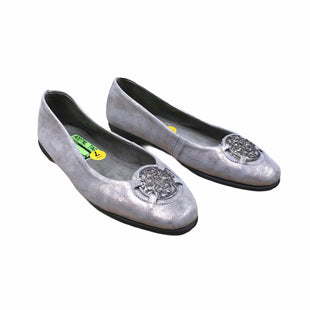 Primary Photo - BRAND: AEROSOLES STYLE: SHOES FLATS COLOR: SILVER SIZE: 7 SKU: 207-207288-1189