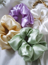 "Load image into Gallery viewer, ""Lys"" silk scrunchie - lallasshop"