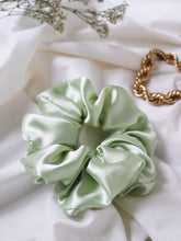 "Load image into Gallery viewer, ""Water Lilies"" scrunchie - lallasshop"