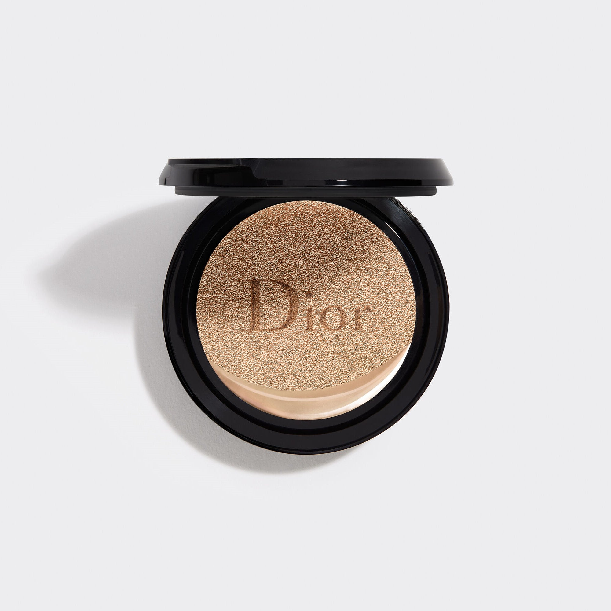 DIOR FOREVER COUTURE PERFECT CUSHION | 24H wear* - High perfection & luminous matte finish - Skin-caring fresh foundation - 24H hydration** - SPF 35 - PA+++ Refill