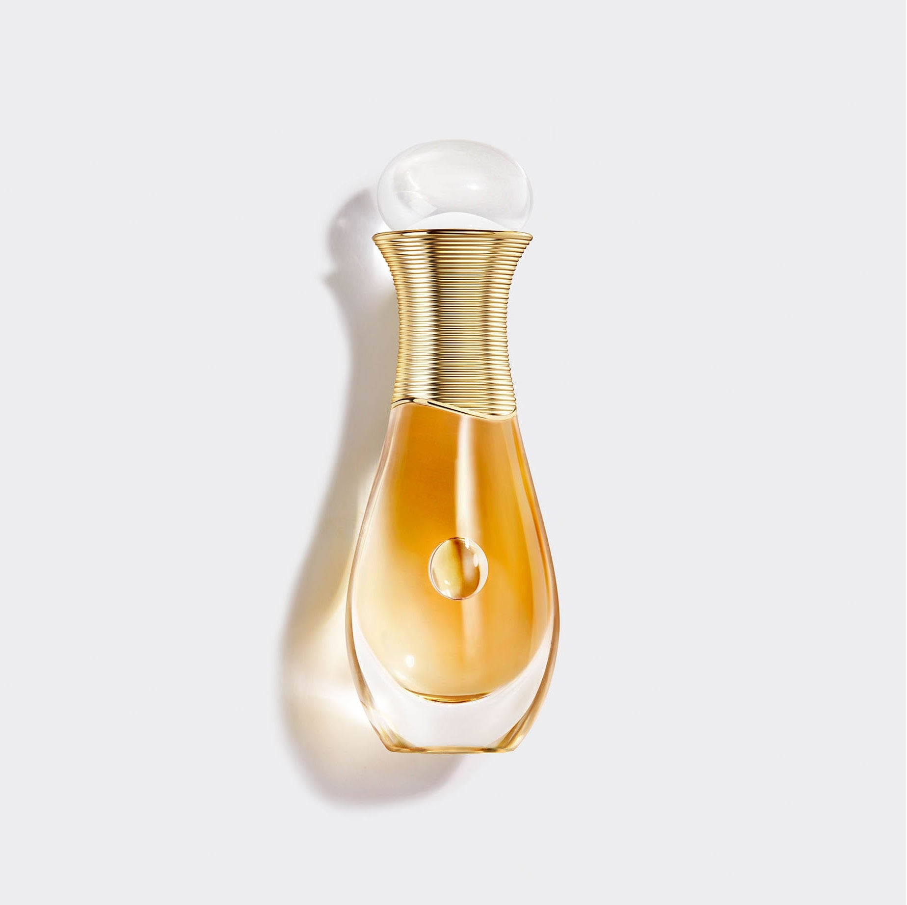 J'adore eau de parfum infinissime Roller-Pearl | A travel-friendly bottle for an infinitely sensual perfuming gesture