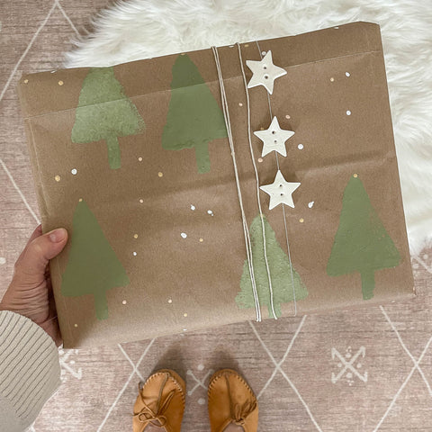 Eco-friendly recycled custom wrapping paper to green your holidays