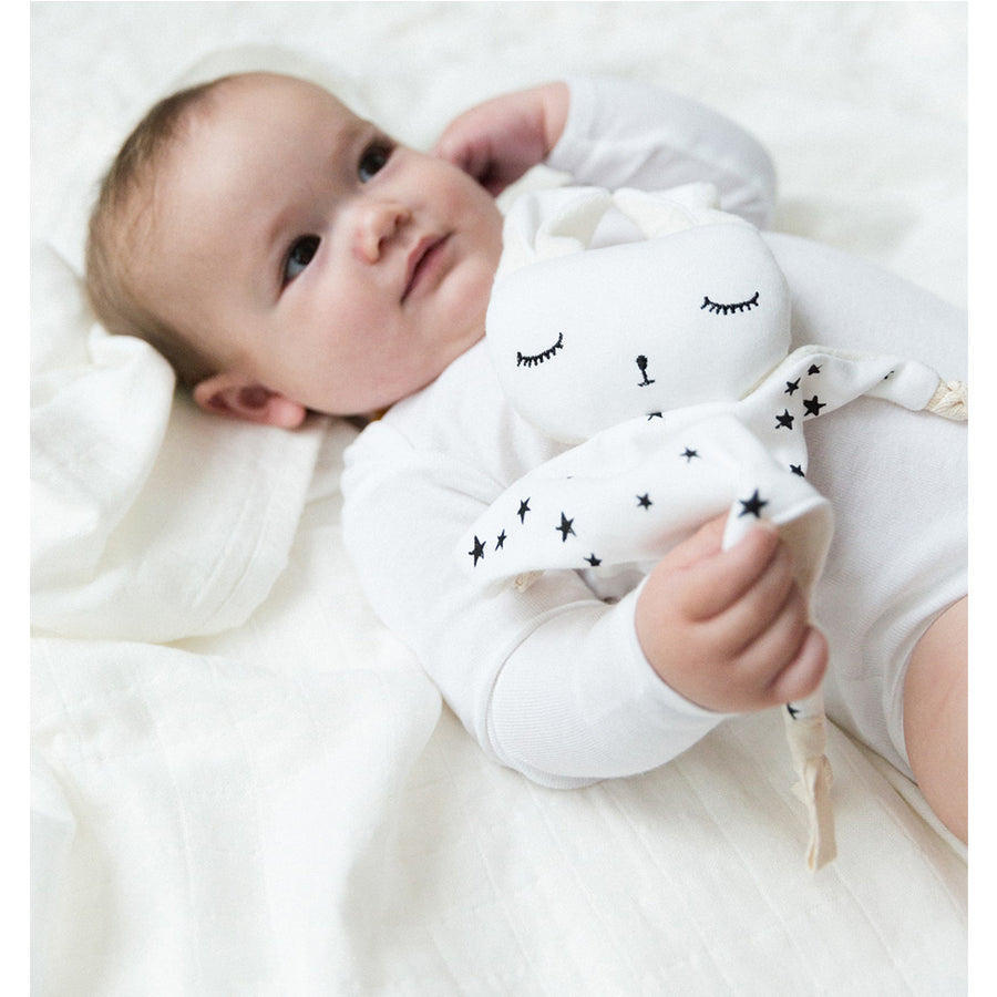 Wee Gallery Cuddle Bunny Stars | Oompa Toys - Lifestyle Baby Snuggling