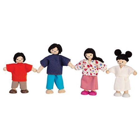 Plan Toys Asian Dollhouse Family 7417