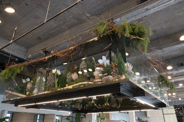 Spring Studio holiday installation - Élan Flowers