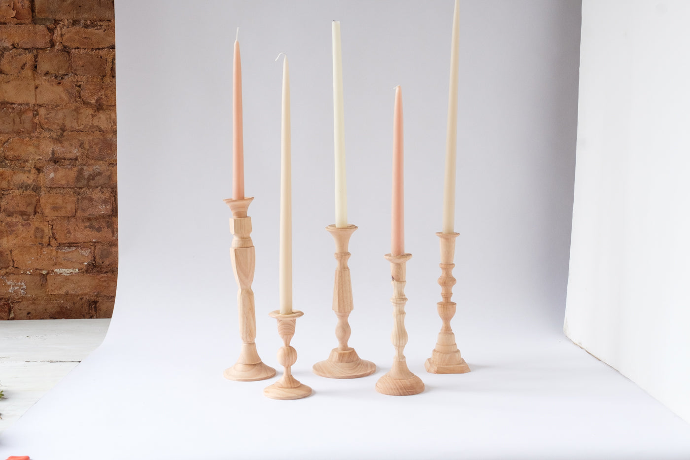 Georgian Wooden Candlesticks - Élan Flowers
