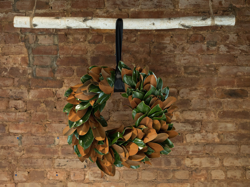 Magnolia Wreath and Garland - Élan Flowers