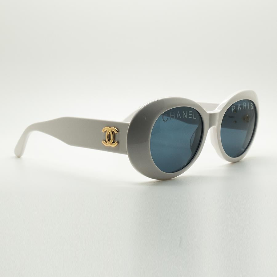Chanel - Oval Frame Vintage Sunglasses (White)
