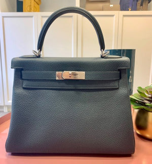 HERMÈS KELLY 28CM VERT CYPRUS | Clemence Leather with Palladium Hardware
