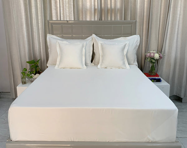 Pure White 300 Thread Count Bed Set by Limone Fresco.
