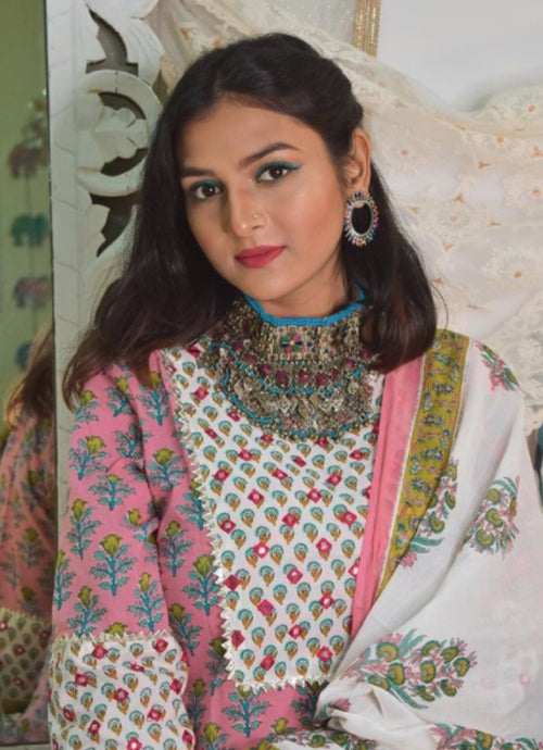 Anamika Priyadarshinii looks as stunning as a flower in our multi coloured printed suit set