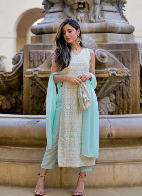 Shivani looks stunning while walking the streets of LA in Noor! We love how the blue stands out