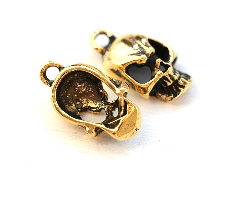 2pc Antique gold Skull charms 18mm