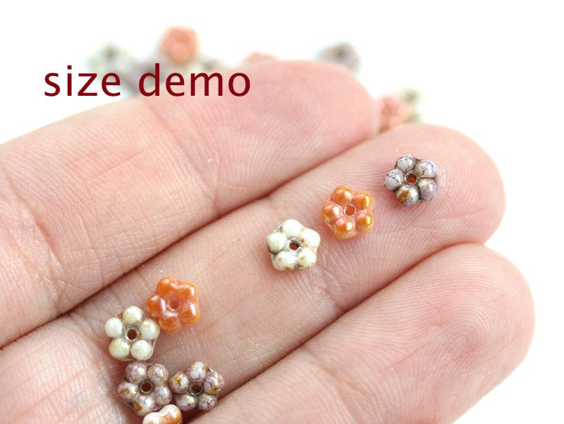5mm Peach and White daisy flower beads, Rainbow luster - 50pc