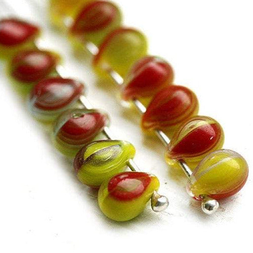 30pc Small teardrops, czech glass beads - 5x7mm