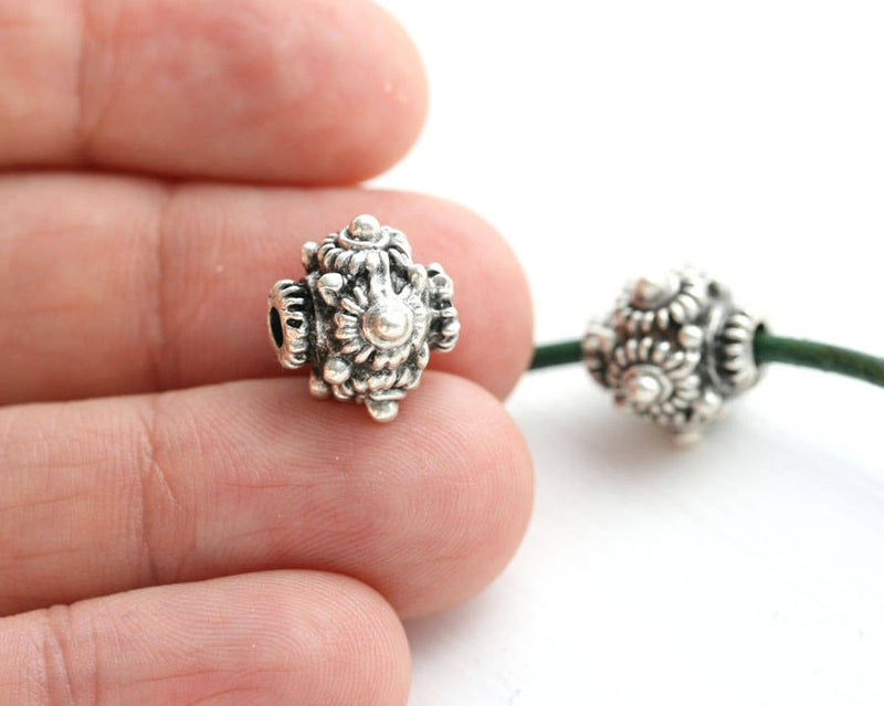 14mm Antique Silver Round ornament beads 2Pc