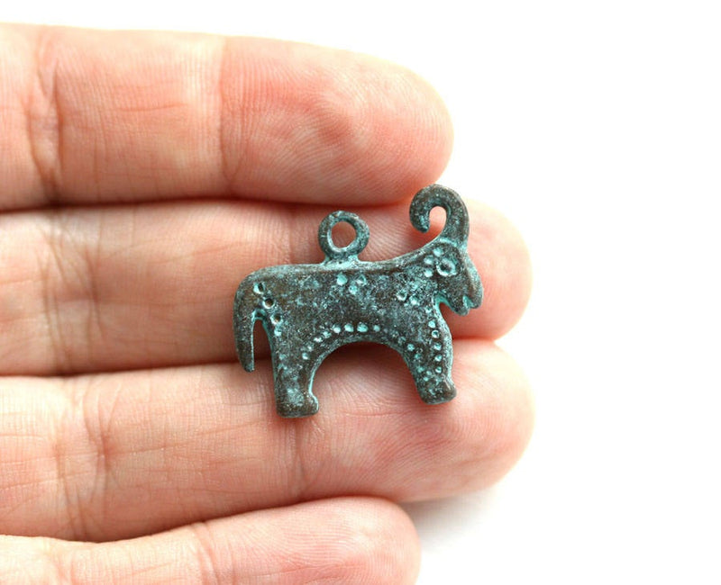 Primitive Bull Green Patina Pendant Ancient style