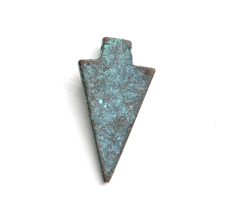 2pc Green patina arrow head pendant