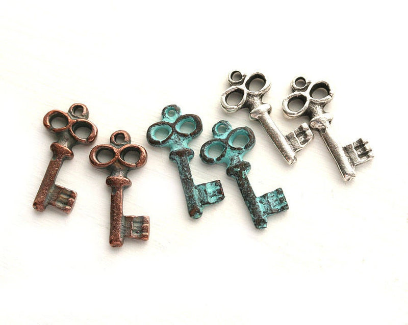 6pc Skeleton small key charms mix