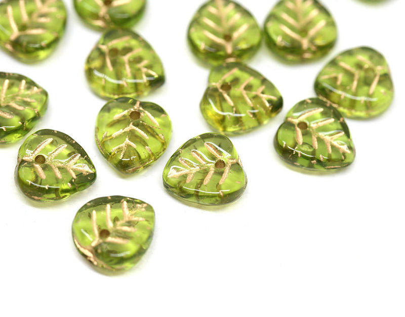 9mm Green leaf beads Golden inlays Heart shaped green gold - 30Pc