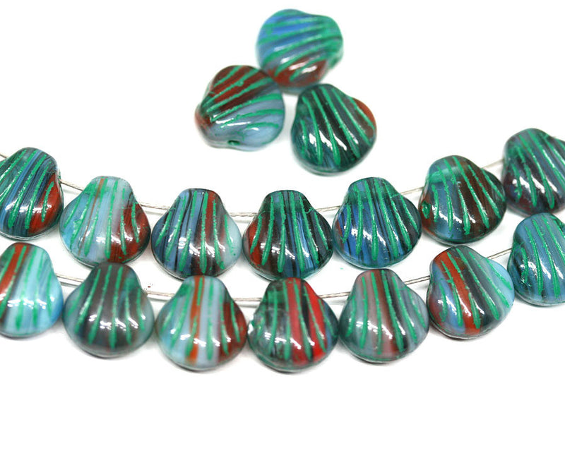 20pc Green Blue glass shell beads Side drilled - 9mm