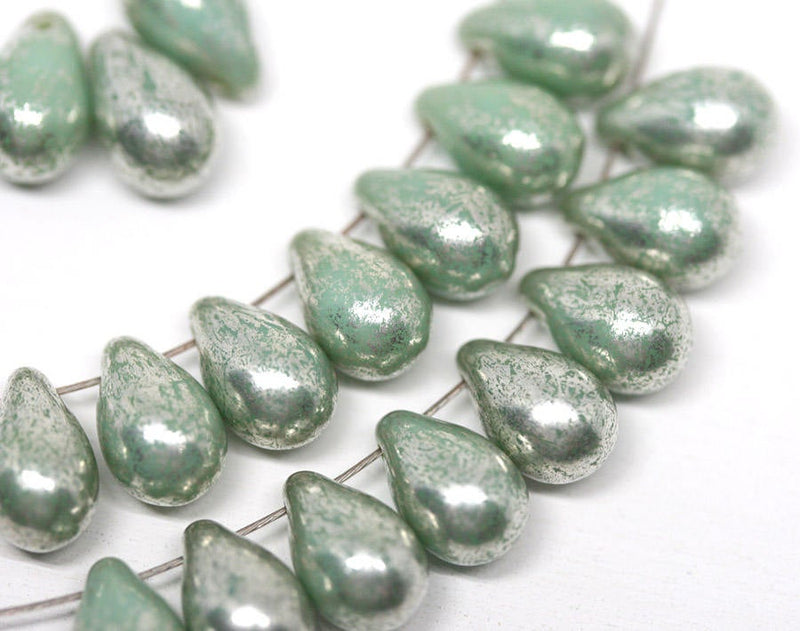 20pc Turquoise Green teardrop glass beads - 6x9mm