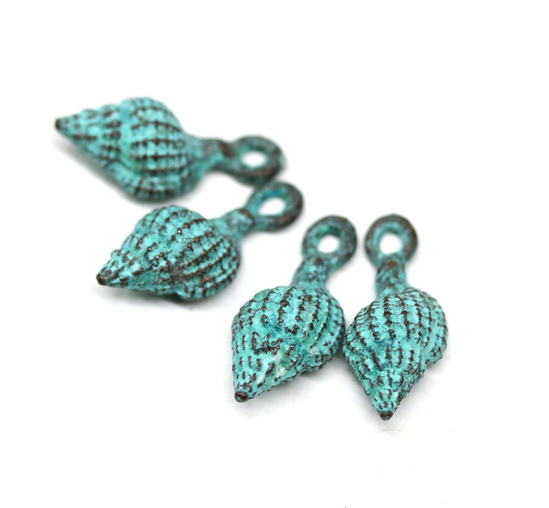 4pc Green patina copper shell charms 20mm