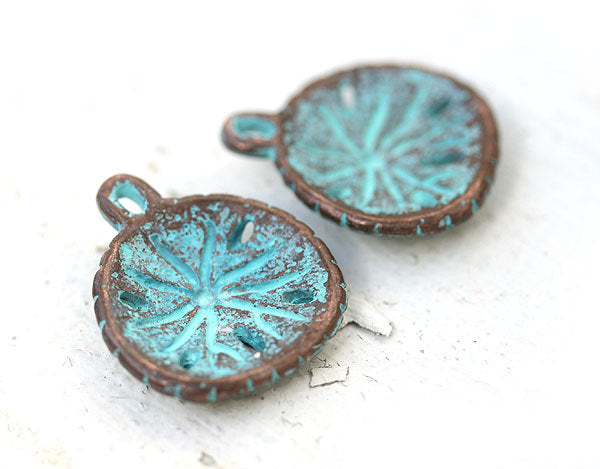 2pc Sand dollar charms Green patina Copper 22mm