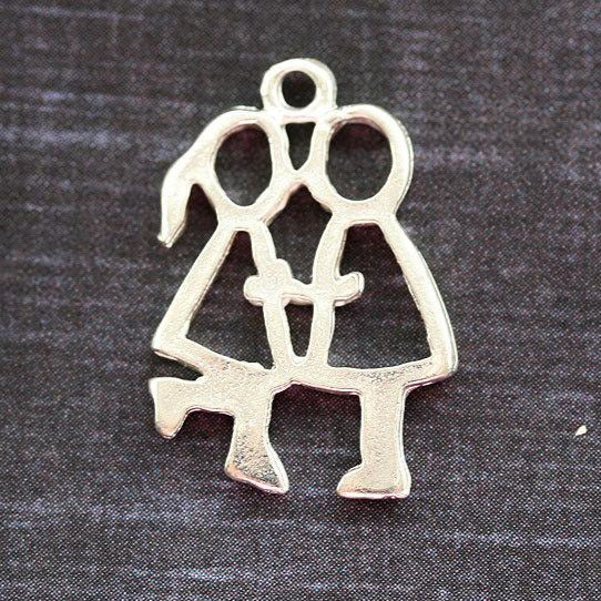 2Pc Silver kissing Couple charms