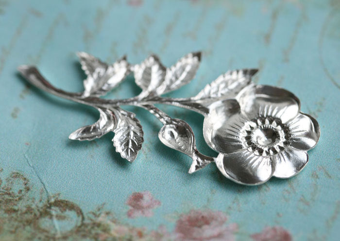1pc Silver plated rosehip branch stamping 45mm