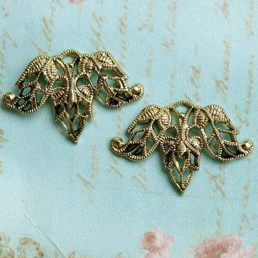 20x13mm Golden Leaf Filigree charms Antique gold connector - 2Pc