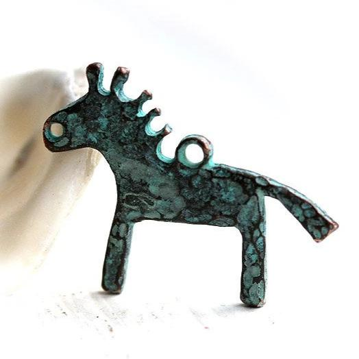 2pc Primitive horse pendant bead green patina on copper