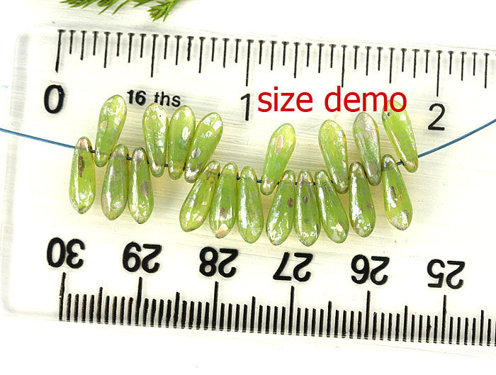40pc Turquoise green Picasso luster Dagger Czech glass beads - 3x11mm