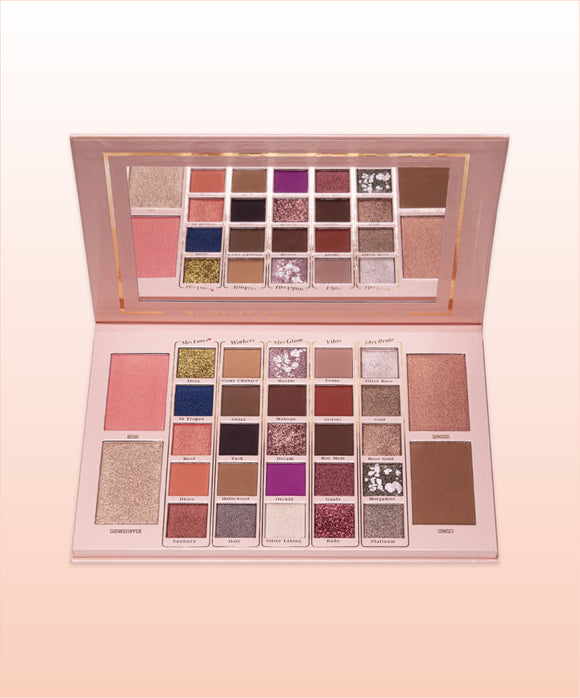 Mrs Glam Showstopper Eyeshadow Palette | LA Image