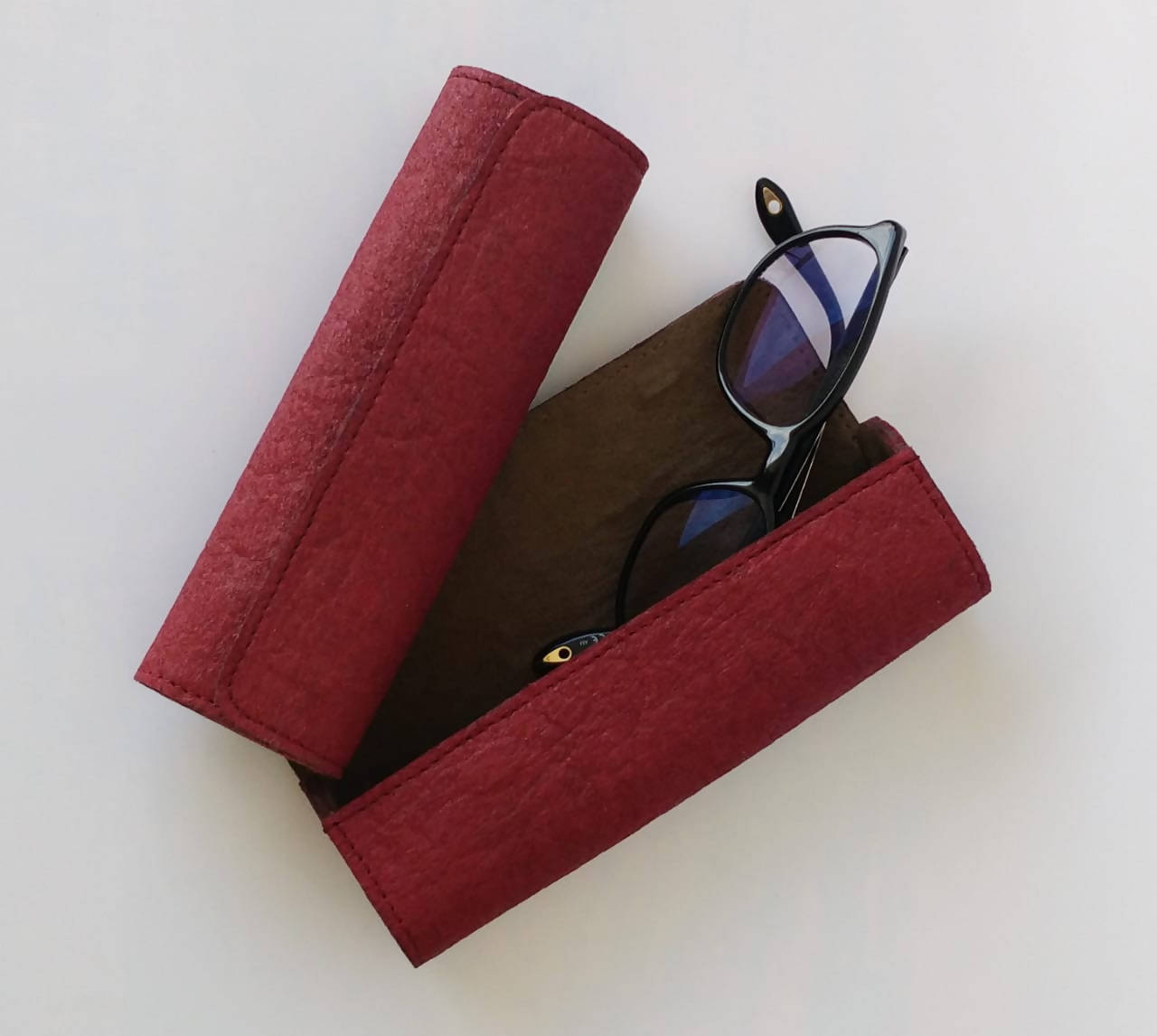 Glasses/ Spectacle Case with magnetic lock