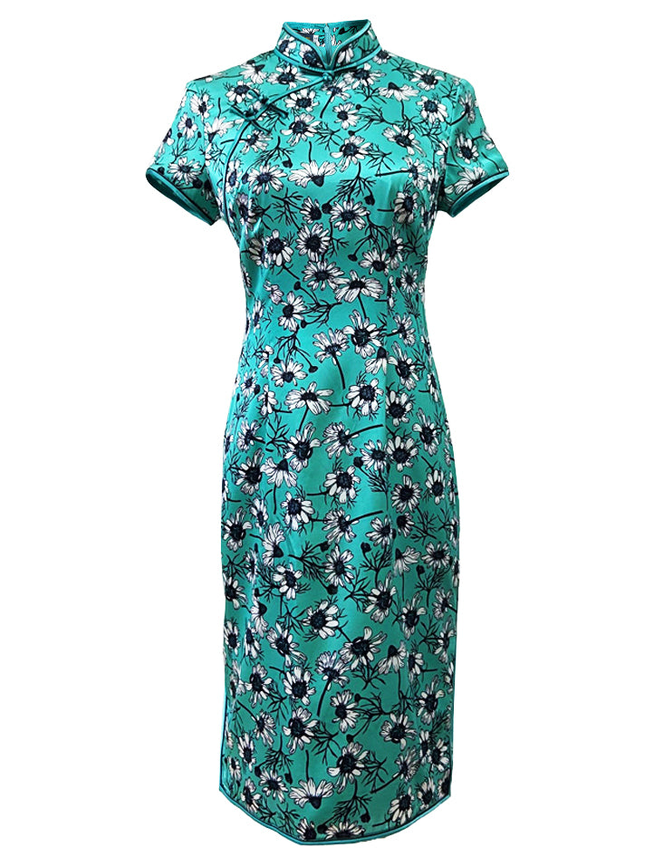 100% Silk Classic Short-Sleeve Qipao with Double Bind and Hand-Knotted Mandarin Buttons