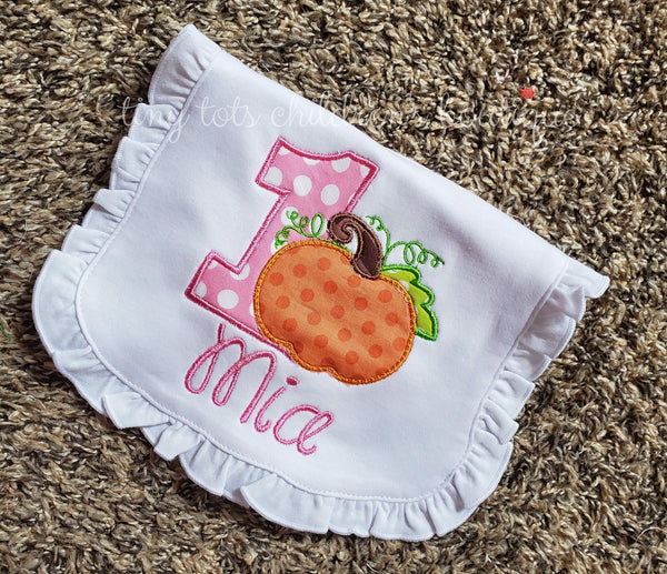 Personalized Birthday Bib, Pumpkin Bib, Embroidered Bib, Girls Monogram Bib, 1st Birthday Bib, Cake Smash Bib, Fall, Halloween, Pumpkin