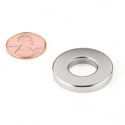 100 Pcs Ring Neodymium Magnets | Size: 27.6mm(OD) x 13mm(ID)x4mm | N35 | Nickel(Ni-Cu-Ni) - MAGANETSHUB