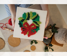 Load image into Gallery viewer, Punch Needle Kit - Punch & Hang - Pre Stamped Wreath - Christmas