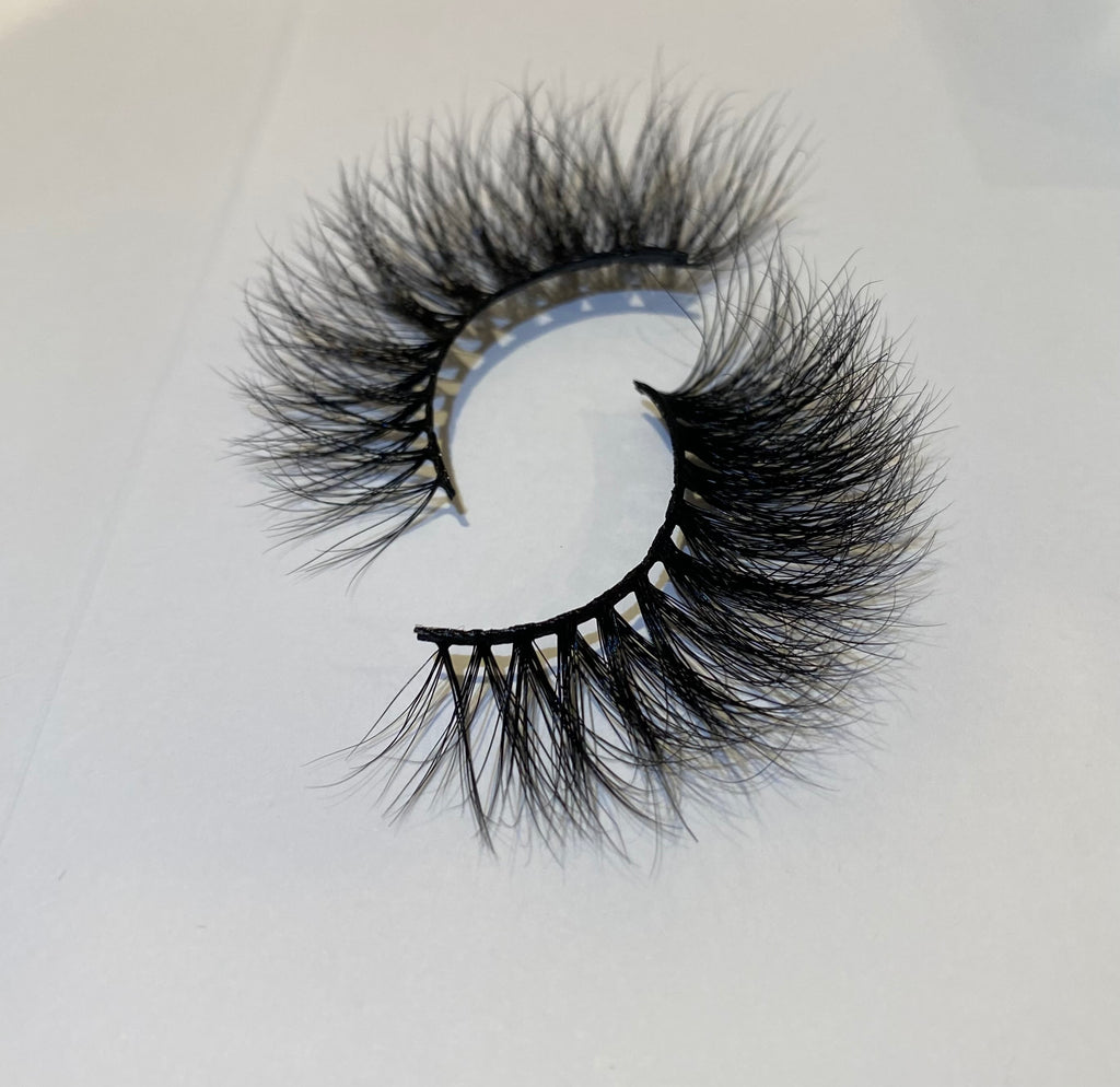 """Sugar Baby"" Mink eyelashes"