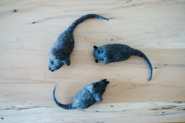 Felted Mouse Kicker Toy - Redheadnblue