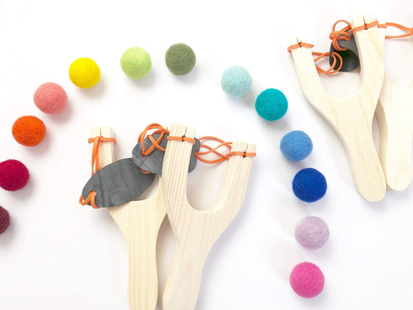 Slingshot & Felt Ball Set