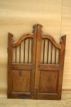 Load image into Gallery viewer, Wooden Dog Gate AH 35