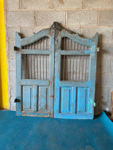 Load image into Gallery viewer, WOODEN DOG GATE